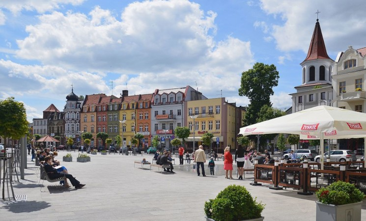 Volunteering opportunity in Poland - BRODNICA - We give our time to people in need.